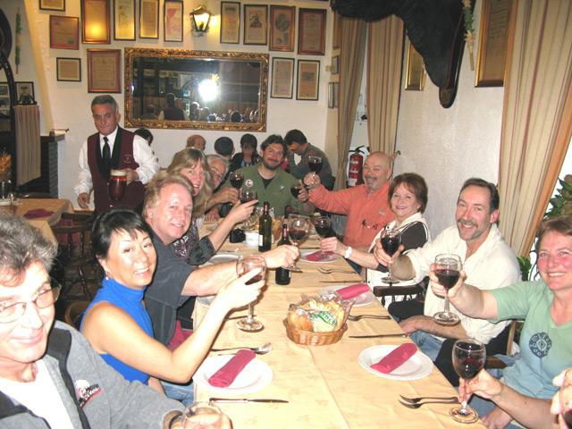 Llegada a Málaga, instrucciones de seguridad y cena de bienvenida