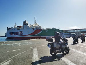 Viaje organizado en moto por Marruecos y Andalucía: Ferry Chefchaouen - Málaga