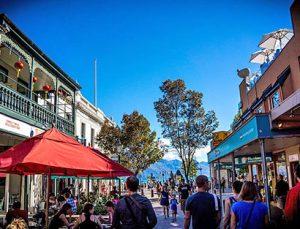 Tour organizado en moto Nueva Zelanda: descanso en Queenstown