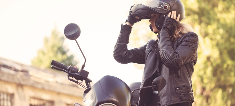 woman-motorcycle-rider-800x360